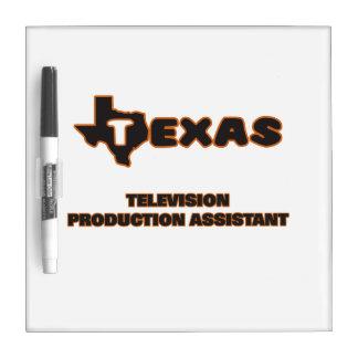 Ayudante de la producción de la televisión de pizarra blanca