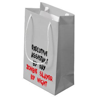 Ayudante del ejecutivo del asesino del zombi bolsa de regalo pequeña