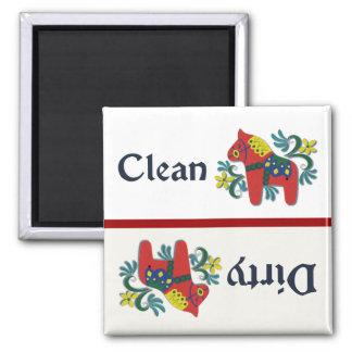 Ayudante del lavaplatos del caballo de Dala Imán Cuadrado