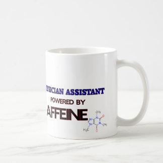Ayudante del médico accionado por el cafeína taza de café