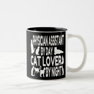 Ayudante del médico del amante del gato taza de café de dos colores