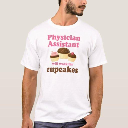 Ayudante divertido del médico playera