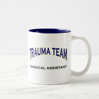 Ayudante quirúrgico del trauma taza