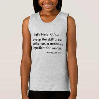 Ayudemos a las camisetas sin mangas del tirante de
