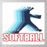Ayuna la silueta del softball de la echada posters
