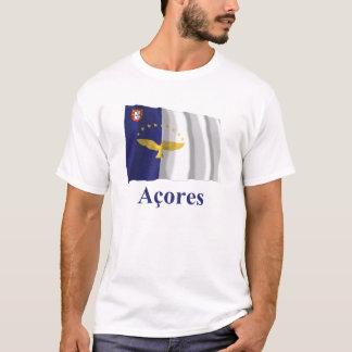 Azores que agitan la bandera con nombre en playera