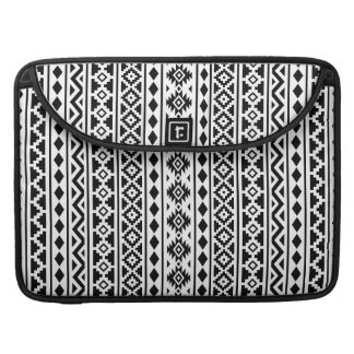 Aztec Essence Vertical Ptn II Black on White Sleeve For MacBook Pro