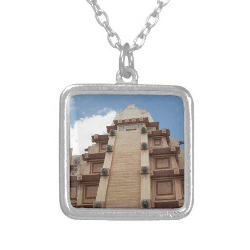 Azteca maya colgante cuadrado