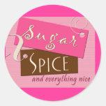 Azúcar y especia y todo agradables etiqueta redonda