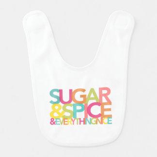 Azúcar y especia y todo babero agradable del bebé
