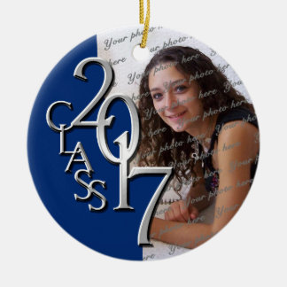Azul 2017 y plata de la foto de la graduación de adorno navideño redondo de cerámica