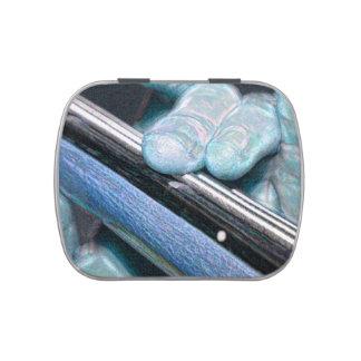 azul bajo de la chispa de dos dedos latas de caramelos