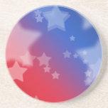Azul blanco rojo de las estrellas patrióticas de l posavasos cerveza