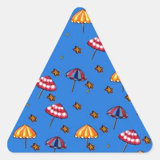 Azul caprichoso del arte popular de los parasoles pegatina triangular