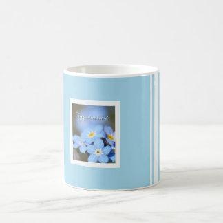 Azul claro con nomeolvides taza de café