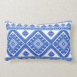 Azul cruzado ucraniano del bordado de la puntada d almohada