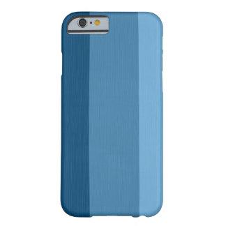 Azul de cielo ligero llano y rayas azules de acero funda de iPhone 6 barely there