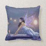 Azul de hadas y púrpura de la almohada del reflejo