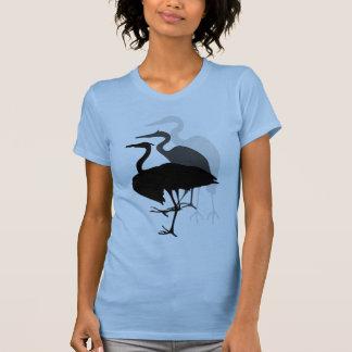 Azul de la camiseta de las señoras de la garza de remeras