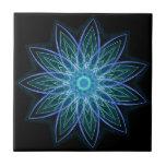 Azul de la flor del fractal - floral abstracto geo tejas