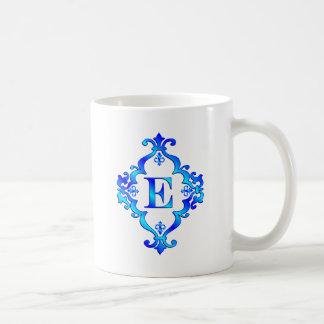 Azul de la letra E Tazas De Café