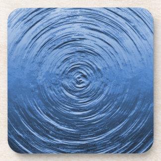 Azul de la ondulación del agua posavasos