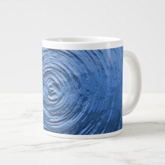 Azul de la ondulación del agua taza de café gigante