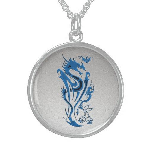 Azul de los dragones y del palo collar