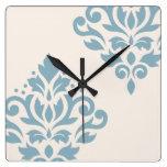 Azul del arte I del damasco de la voluta en la Reloj