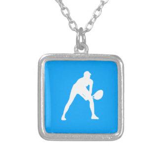 Azul del collar de la silueta del tenis
