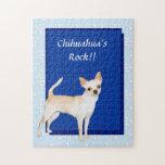 Azul del ~ de la chihuahua con el diseño blanco de puzzles