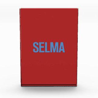 Azul del Día-Selma de MLK en rojo