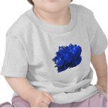 Azul del estallido de Camelia Camisetas
