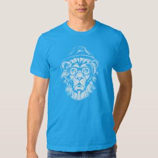 Azul del león del inconformista playeras
