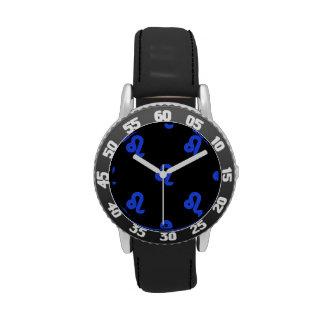Azul del modelo de Leo Reloj