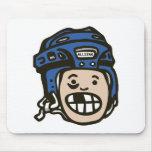 Azul del niño del hockey alfombrillas de ratón