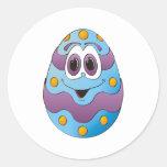 Azul divertido del huevo de Pascua Pegatinas Redondas