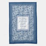 Azul elegante del modelo y de la cita de William M Toalla