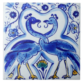 Azul español y teja de cerámica de la foto de