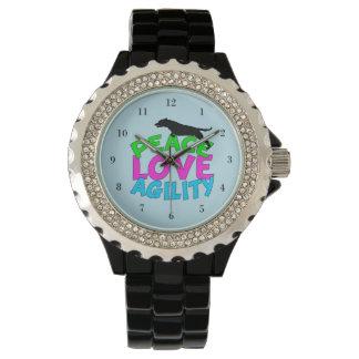 Azul lindo de la agilidad del perro relojes de pulsera