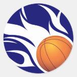 Azul llameante y blanco del baloncesto pegatina redonda