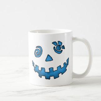 Azul loco de la cara de la calabaza de la linterna taza