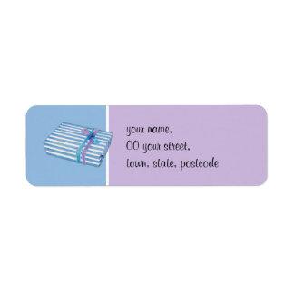 Azul rayado azul del regalo etiqueta de remitente