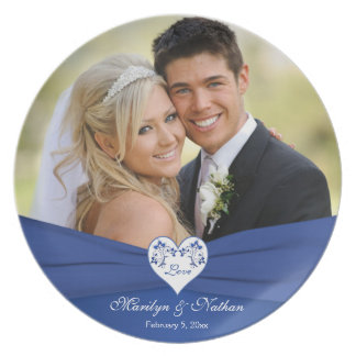 Azul real, placa floral blanca del boda del corazó platos de comidas