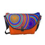 Azul retro y el naranja circunda el bolso del mode bolsa de mensajería