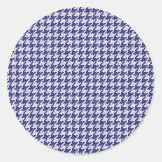 Azul y modelo texturizado blanco de Houndstooth Etiqueta Redonda