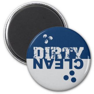 Azul y plata sucios/limpios del imán del lavaplato
