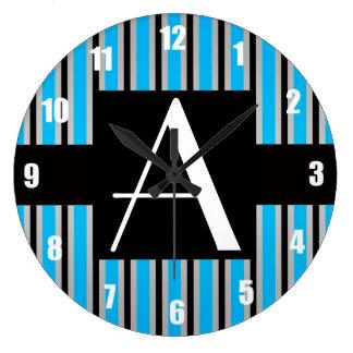 Azul y rayas negras del monograma relojes
