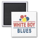 Azules blancos del muchacho iman de frigorífico