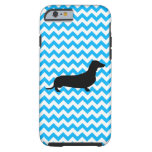Azules cielos Chevron con el Dachshund Funda De iPhone 6 Tough